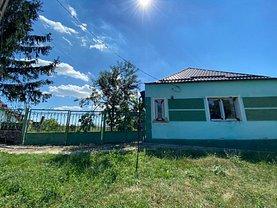 Casa de vânzare 4 camere, în Carani