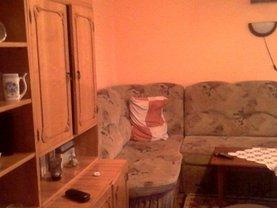 Apartament de vânzare 4 camere în Resita, Micro III