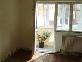 Apartament de vânzare 3 camere în Resita, Lunca