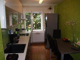 Apartament de vânzare 3 camere, în Reşiţa, zona Govândari