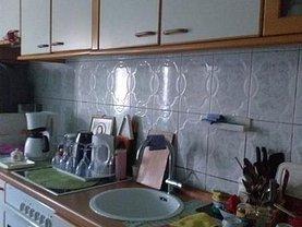 Apartament de vânzare 3 camere, în Resita, zona Calea Caransebesului