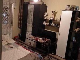 Apartament de vânzare 2 camere, în Resita, zona Calea Timisoarei