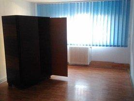 Apartament de vânzare 2 camere, în Reşiţa, zona Micro IV