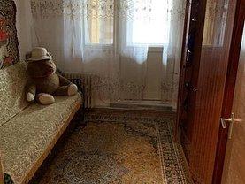 Apartament de vânzare 4 camere, în Reşiţa, zona Luncă