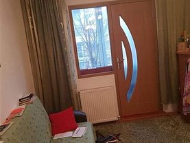 Apartament de vânzare 3 camere în Resita, Micro I