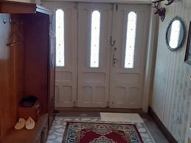 Casa de vânzare 5 camere, în Reşiţa, zona Moroasa 2