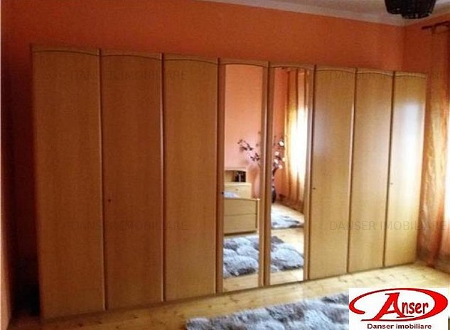 Casa 3 camere zona Centrala - imaginea 1