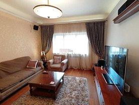 Apartament de vânzare 5 camere, în Bucureşti, zona Dacia