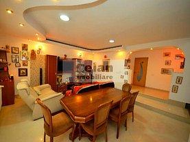 Casa de vânzare 7 camere, în Dudu