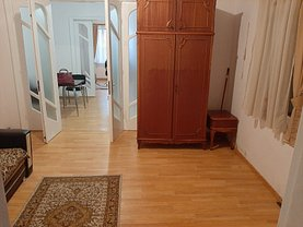 Apartament de închiriat 2 camere, în Constanta, zona P-ta Ovidiu