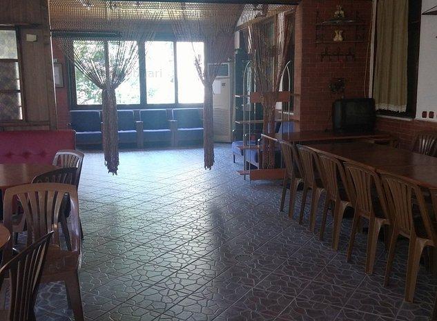 Minihotel P+1 restaurant curte renovat aproape de mare - imaginea 1