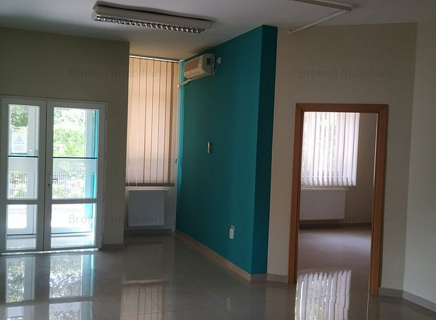 Spatiu la parter -145 mp-in cladire de birouri intrare separata ideal cabinete - imaginea 1
