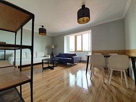 Apartament de vânzare 3 camere în Deva, 22 Decembrie