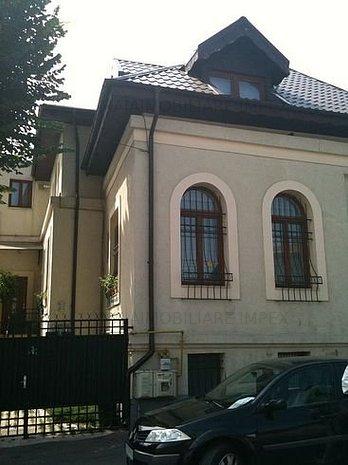 Casa de închiriat 6 camere - imaginea 1