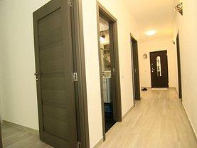 Apartament de închiriat 4 camere, în Bucureşti, zona Valea Oltului