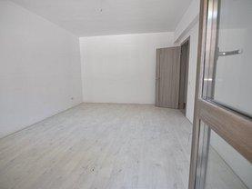 Apartament de vânzare 2 camere, în Bucureşti, zona Valea Oltului