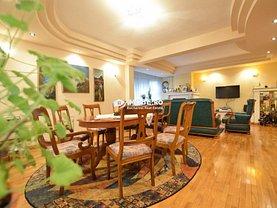 Casa de vânzare 8 camere, în Ciorogarla