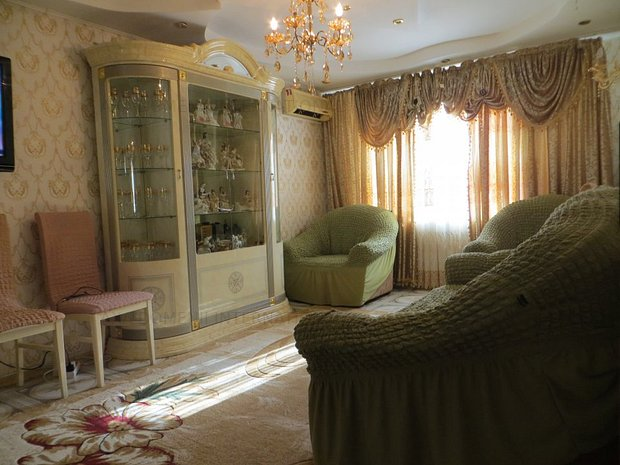 Apartament 3 camere Basarabia - Chisinau - Diham - decomandat - imaginea 1