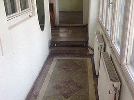 Casa de închiriat 3 camere, în Braşov, zona Blumăna