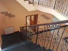 Casa de vânzare 9 camere, în Bragadiru