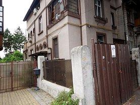 Casa de vânzare 5 camere, în Bucureşti, zona Calea Plevnei