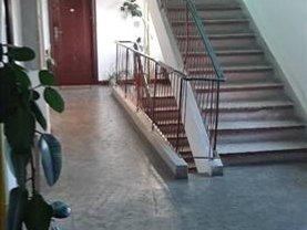 Garsonieră de închiriat, în Brasov, zona Centrul Civic