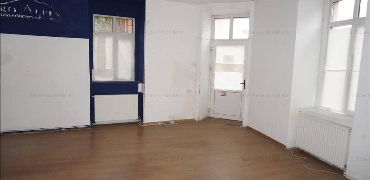 Apartament pe parter pretabil spatiu comercial - imaginea 3