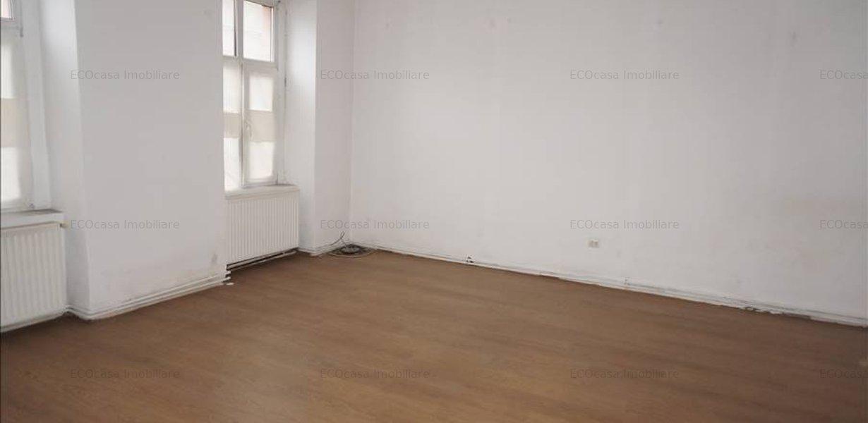 Apartament pe parter pretabil spatiu comercial - imaginea 4