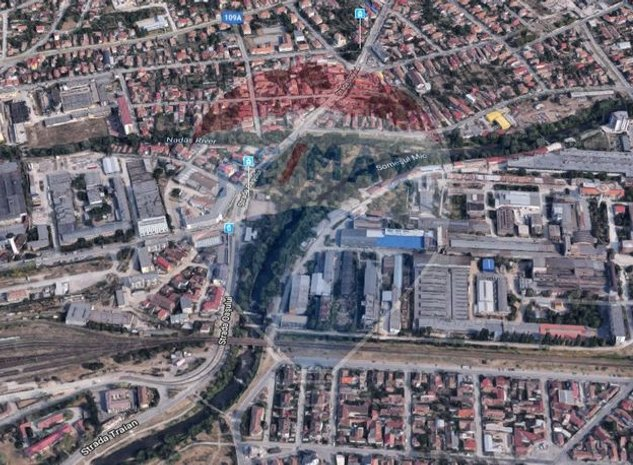 Teren constructii zona garii - imaginea 1