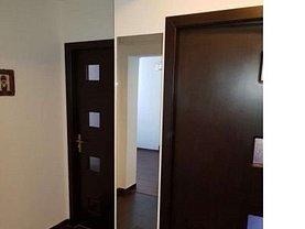 Apartament de vânzare 3 camere, în Baia Mare, zona Orasul Vechi