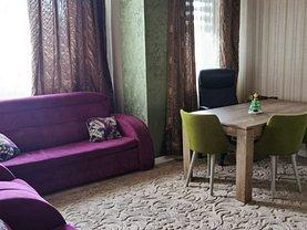 Apartament de vânzare 3 camere, în Constanţa, zona Km 4
