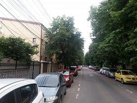 Casa de vânzare 7 camere, în Bucureşti, zona Ferdinand