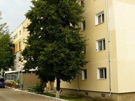 Apartament de vânzare 4 camere, în Targu Frumos, zona Central