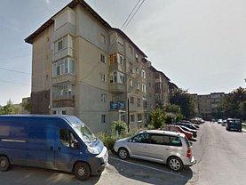 Apartament de vânzare 3 camere, în Valenii de Munte, zona Central