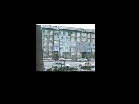 Apartament de vânzare 3 camere, în Lupeni