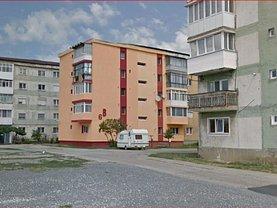 Apartament de vânzare 2 camere, în Otelu Rosu, zona Central