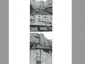 Apartament de vânzare 3 camere, în Craiova, zona Calea Bucuresti