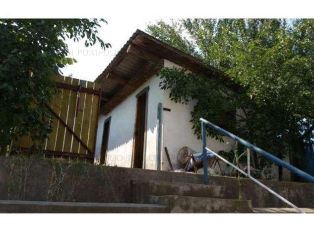 Casa + teren, 2479 mp,  Vaslui - imaginea 1