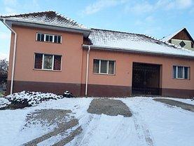 Casa de vânzare 5 camere, în Carpinet