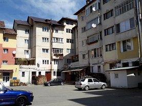 Apartament de vânzare 3 camere, în Abrud, zona Central