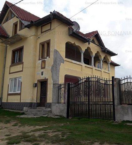 Casa si teren Jina, Judetul Sibiu - imaginea 1