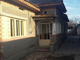 Casa de vânzare 3 camere, în Mărginenii de Sus