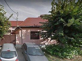 Casa de vânzare 11 camere, în Oradea, zona Central