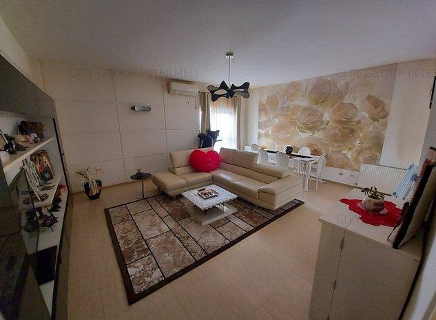 Tomis I - apartament unic pe piata   - imaginea 1
