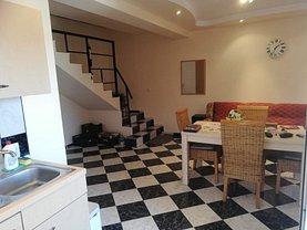 Casa de vânzare 3 camere, în Costineşti, zona Central