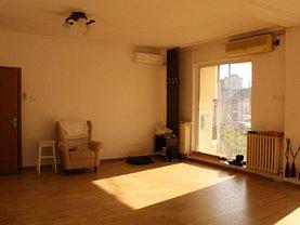 Casa de vânzare 8 camere, în Constanţa, zona Casa de Cultură