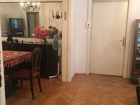 Apartament de vânzare 3 camere în Bucuresti, Dacia