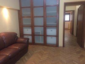 Apartament de închiriat 4 camere, în Bucuresti, zona Universitate