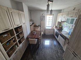 Apartament de vânzare 3 camere, în Târgu Mureş, zona Corina