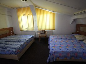 Casa de închiriat 9 camere, în Târgu Mureş, zona Semicentral